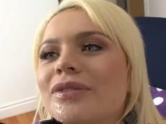 Loira gulosa boquete e sexo anal